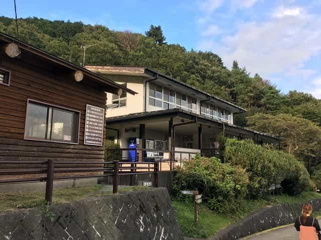 田貫湖キャンプ場 北側管理棟入り口