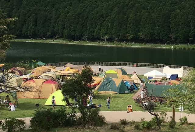 田貫湖キャンプ場 Aサイト テラス周辺の様子
