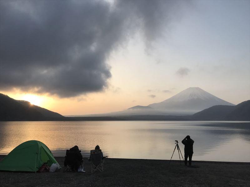 洪庵キャンプ場 日の出