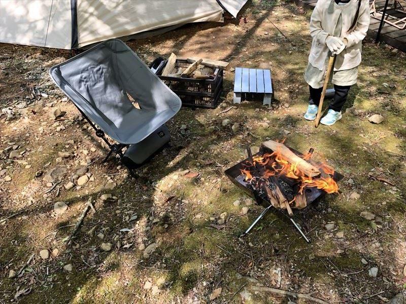 焚き火 with ヘリノックス タクティカルチェア