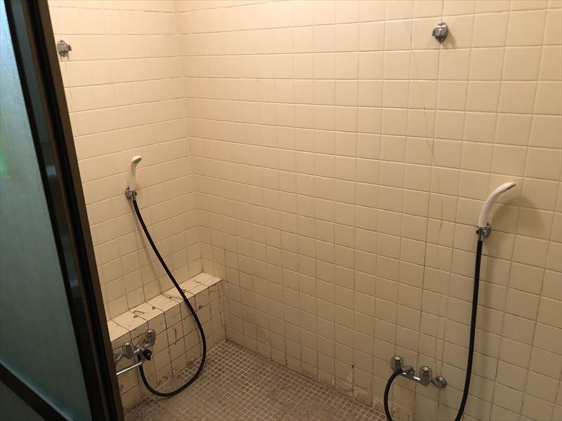 十里木キャンプ場 シャワー室