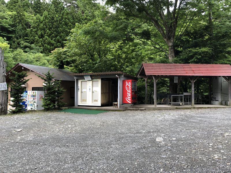 道志の森キャンプ場 トイレ、シャワー、水場