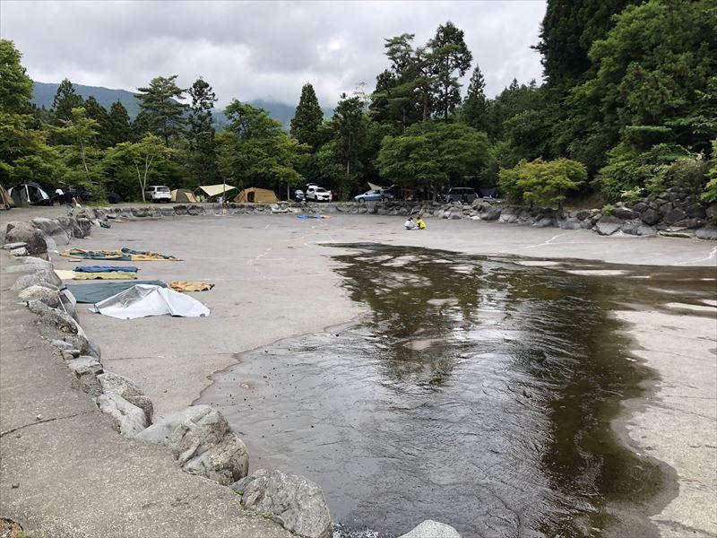 道志の森キャンプ場 6月のプール