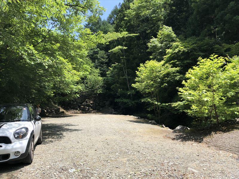 道志の森キャンプ場 滝サイト01
