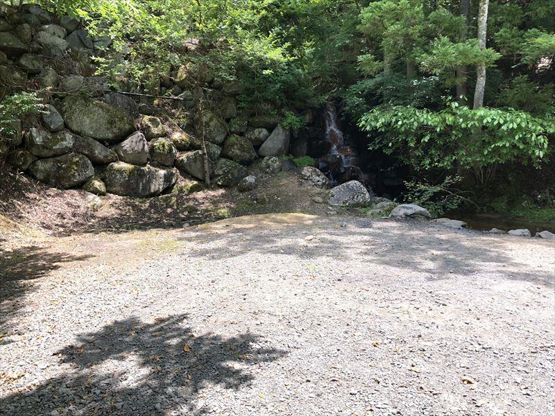 道志の森キャンプ場 滝サイト02