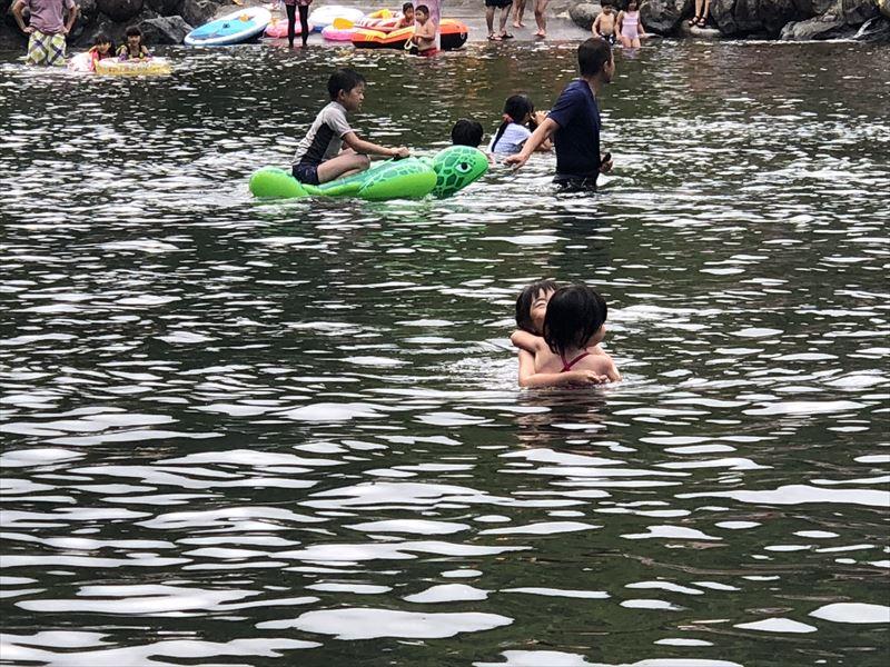 道志の森キャンプ場 プール02