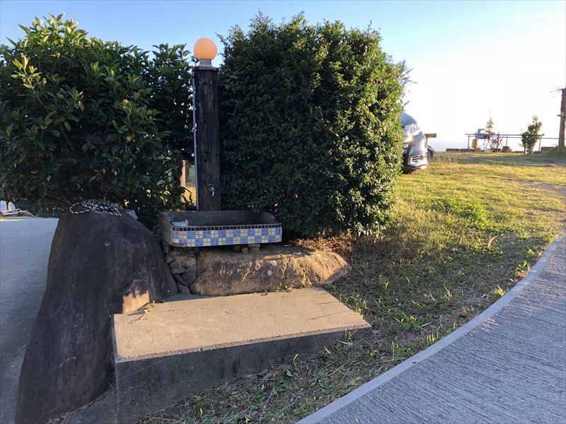 南伊豆 夕日ヶ丘キャンプ場 Bサイト入口 簡易水場
