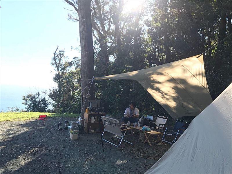 南伊豆 夕日ヶ丘キャンプ場 D-1サイトに設営02