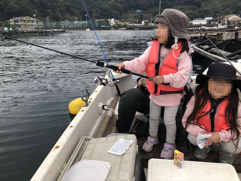 ボートで海釣り 下の子が挑戦