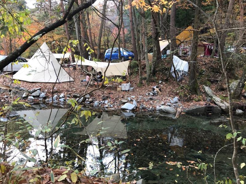 道志の森キャンプ場 念願の川沿いサイト 04