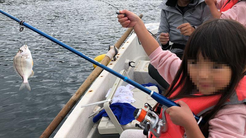 ボートで海釣り 一人で釣れました!