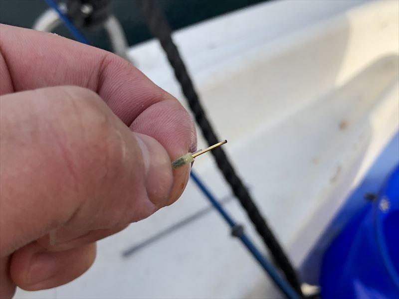 ボートで海釣り エイに針を折られた・・・