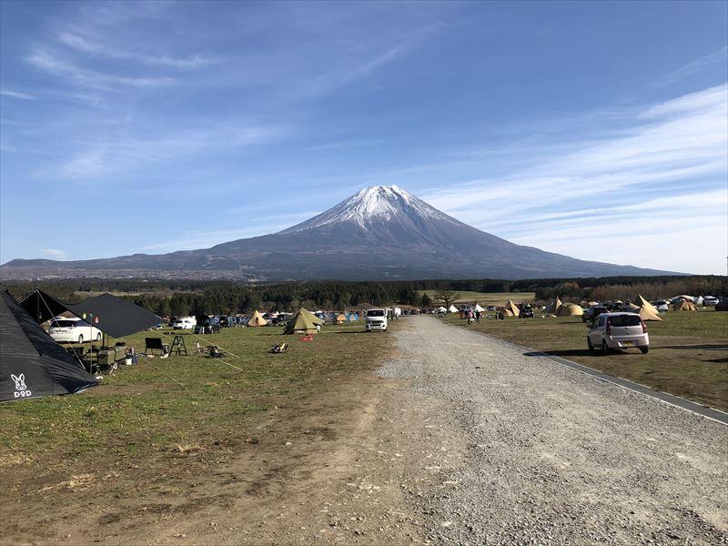 ふもとっぱら 富士山へ続く道