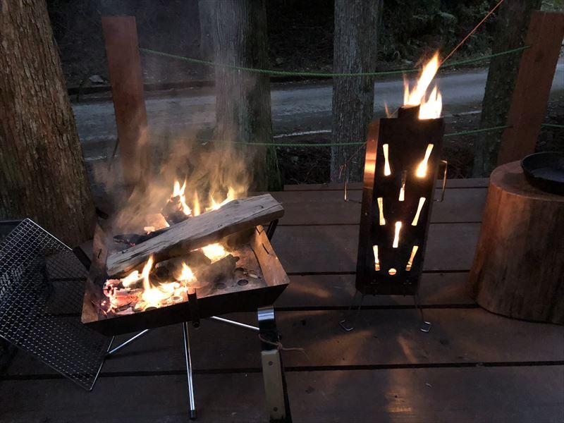 炭焼の杜 明ケ島キャンプ場 ウッドデッキも焚き火可能