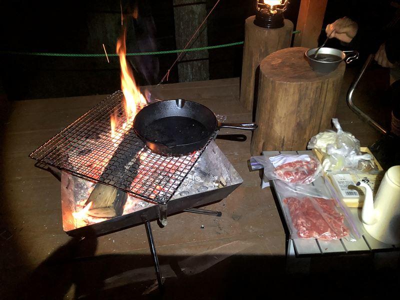 炭焼の杜 明ケ島キャンプ場 すき焼き01