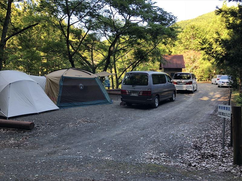 炭焼の杜 明ケ島キャンプ場 ペット可区画サイト