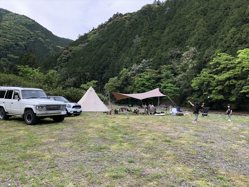 満緑キャンプ場 広大なプライベートサイト02