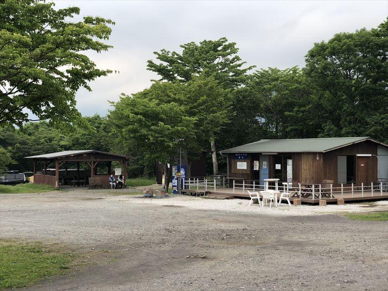 朝霧ジャンボリーオートキャンプ場 場内管理棟