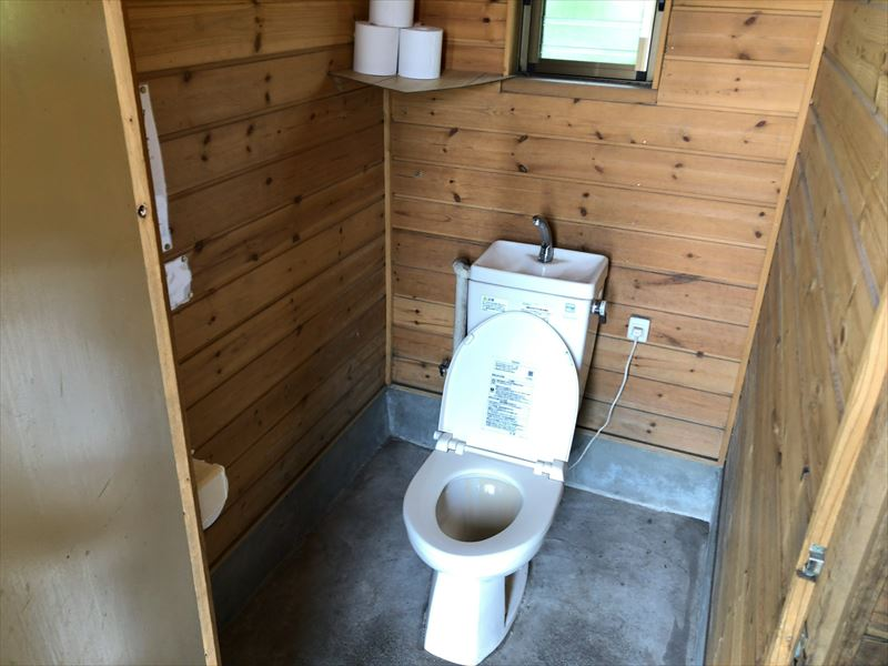 朝霧ジャンボリーオートキャンプ場 トイレ