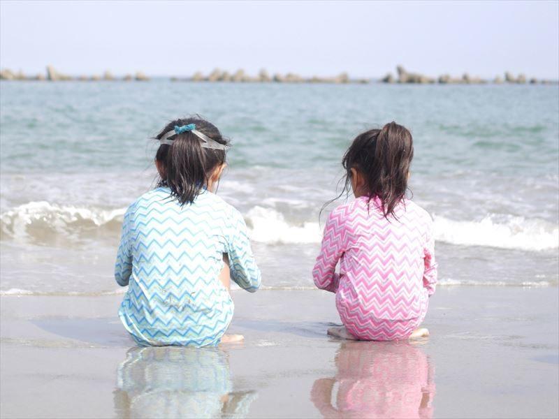海水浴 ラッシュガード