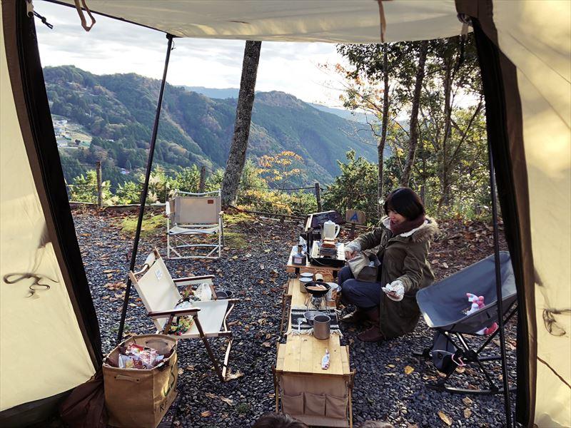 藤川キャンプヒルLUNA・Luna Aサイト 朝は日当たり良好!