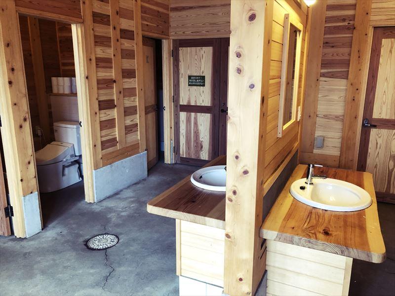 ふもとっぱら 新しいトイレ