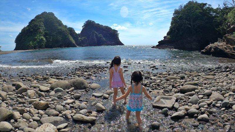 浮島海岸 浅瀬で水遊び02