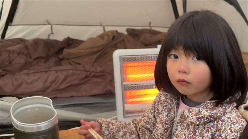 ニトリの電気ストーブで冬キャンプ